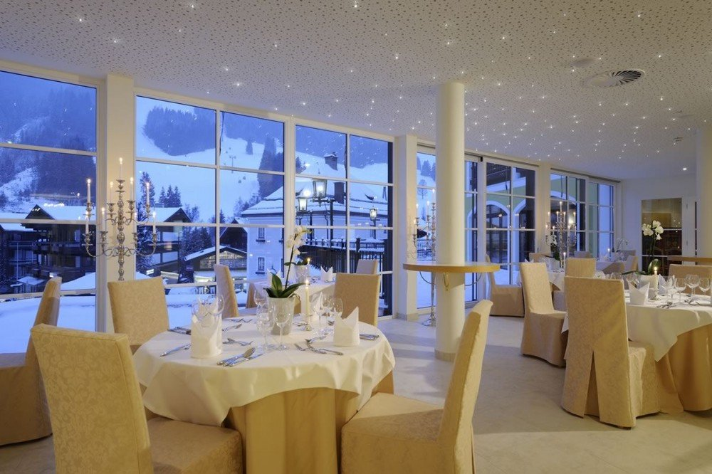 Five-Elements Restaurant with a panoramic view