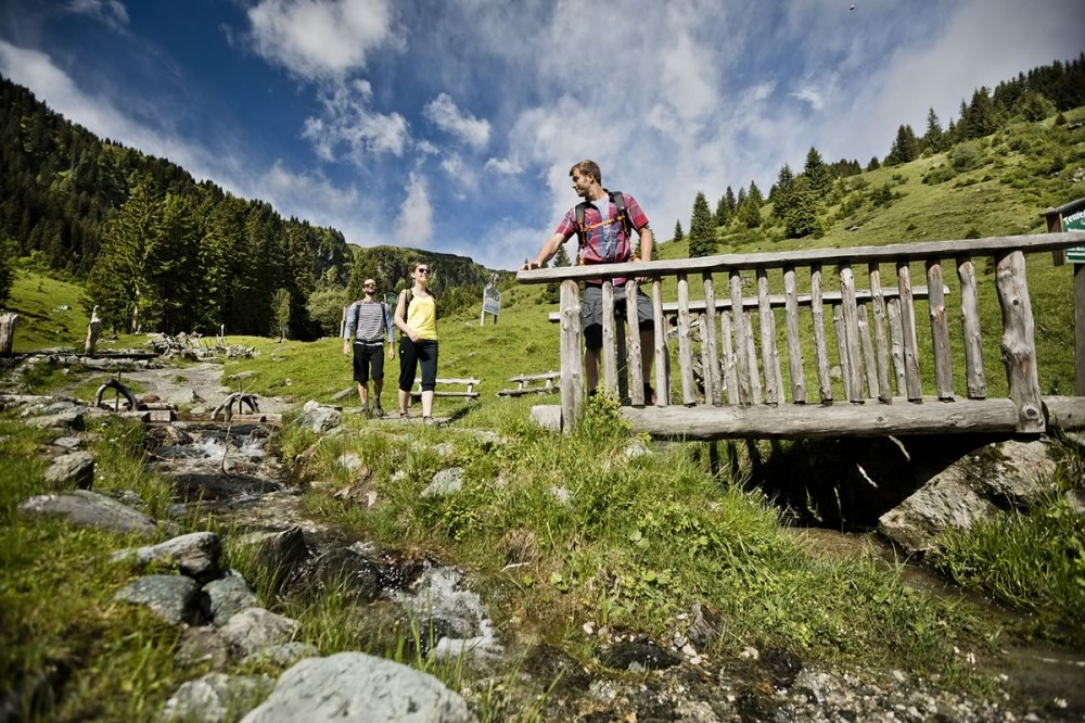 Hiking holidays with friends in Saalbach