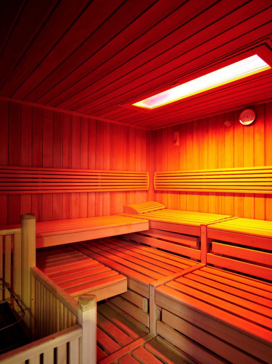 sauna-hoch width=